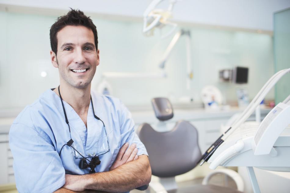 Платная и бесплатная консультации терапевта-стоматолога
